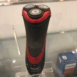 Philips Series 5000 Wet and Dry Men s Electric Shaver S5530 06 with Turbo mode
