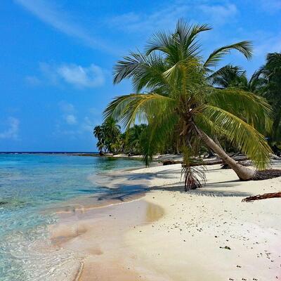 ISLA DIABLO (San Blas Islands, Panama)