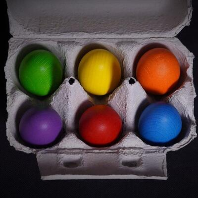 Paint a box of eggs