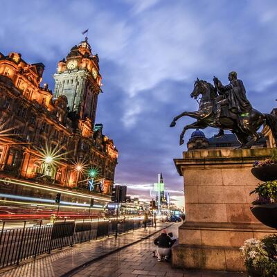 Spend New Year's Eve in Edinburgh