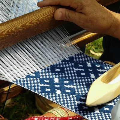 Weave on a loom